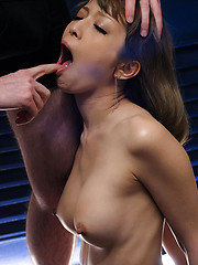 Japanese chick takes it deep