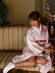 Hot teen Kaede Moritaka shows her wet pussy