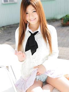 mature model Asuka Ueda