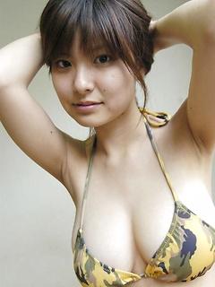 mature model Hanai Miri