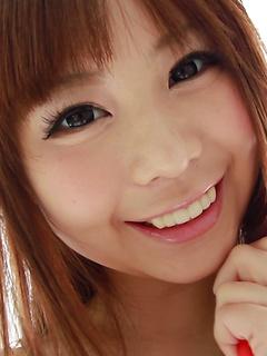 mature model Mikuru