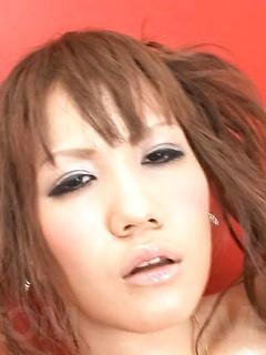mature model Mirai