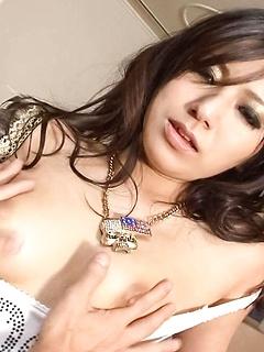 mature model Kanade Otowa