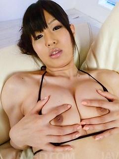 mature model Nozomi Koizumi