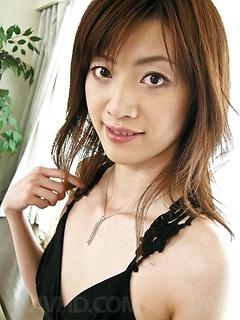 mature model Kanon Hanai
