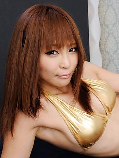mature model Sayuri Ono