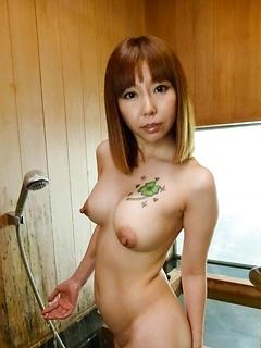 mature model Minami Kitagawa